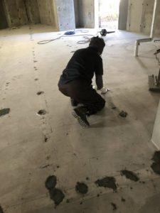 Image b9cda34 225x300 - 鎌倉山にて土間補修工事のお手伝い