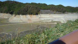 2823 300x169 - 城山湖 ~ 水が無いダム