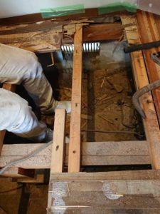 e6d083df68c648187c673a327f363743 225x300 - 廊下の改修工事